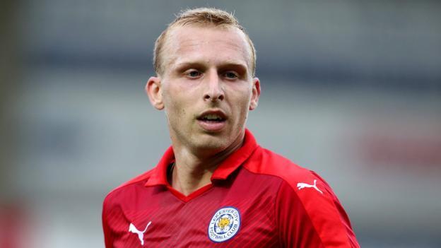 Ritchie De Laet: Aston Villa firmare Leicester City difensore contratto di tre anni